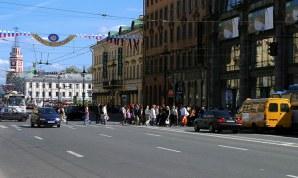 Пешеходный переход через Невский проспект.