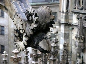 Часто используемое украшение на Миланском Duomo.