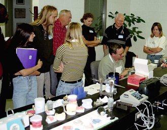 Workshop. Конференция зубных техников в Нэшвилле, Теннеси. Студенты колледжа в Нэшвилле, а также Джейсон, Бобби, Катя, Кайл и Тим. Сентябрь, 2001 год.