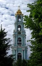 Стройная пятиярусная колокольня Троице-Сергиевой Лавры (высота 88 метров). Сергиев Посад.