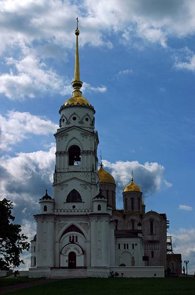 Колокольня Успенского собора. Владимир.