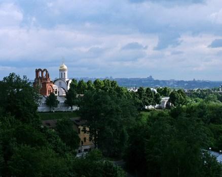 Вид с обзорной площадки за Успенским собором. Владимир.