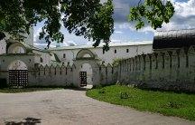 Ворота на территорию Суздальского Кремля.