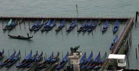 Стоянка гондол у площади San Marco.