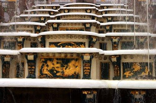Одна из каскадных лестниц Большого грота. Петродворец.