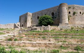 Внутренняя часть замка Chlemoutsi, модифицированная турками.
