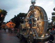 Вечерний парад. Epcot Theme Park, Disney World.