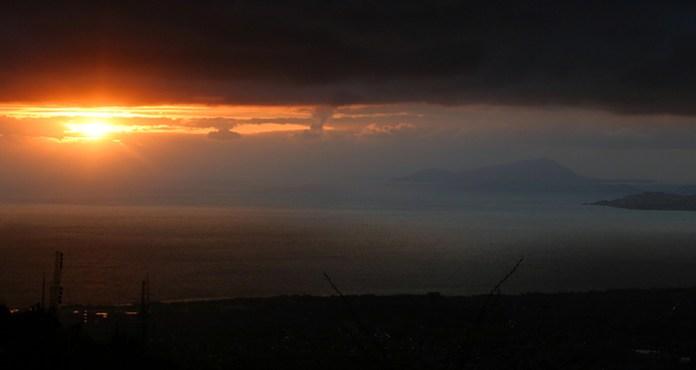 Закат над Неаполитанским заливом.
