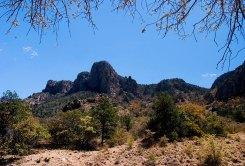 Горная система Chisos mountains весной.