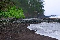 Пляж из красного песка (Red sand beach).