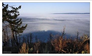 Брокенский фантом - тень наблюдателя на поверхности облаков (тумана) в направлении, противоположном Солнцу. Озеро Йеллоустоун.