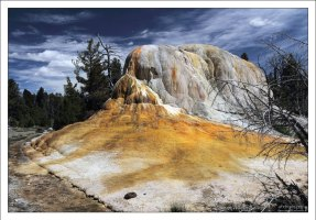 Травертиновая гора Orange Spring Mound.