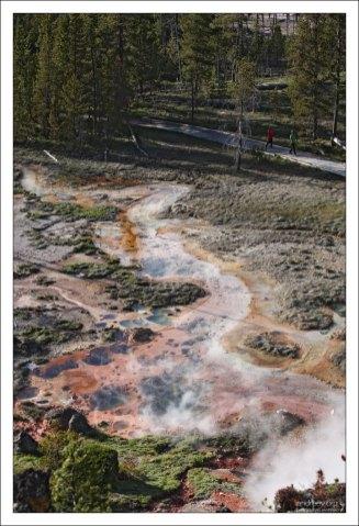 Разноцветная почва в местечке Artists' Paintpots.