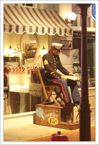 Home Front U.S.A - имитация улицы, представляющей мирную жизнь во время Второй Мировой войны.
