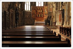Винер-Нойштадский алтарь (Wiener Neustadter Altar) в соборе Св. Стефана.
