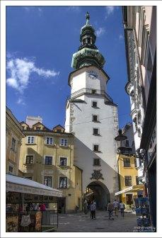 Михальская башня в Старом городе Братиславы.