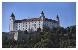 Братиславский Град (словацк. Bratislavský hrad) — центральный и самый важный замок в городе.