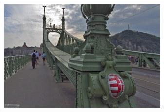 Liberty Bridge через Дунай.
