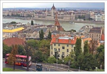 Вид на Дунай и Пешт с высоты Рыбацкого бастиона.