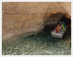 На лодке по подземному озеру в Тапольце.