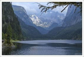 Озеро Госау и горный массив Дахштайн.