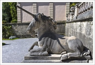 Единорог в парке Мирабель.