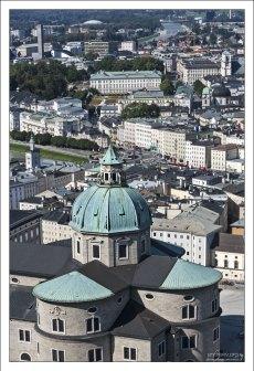 Купол Зальцбургского собора с высоты крепости Hohensalzburg.