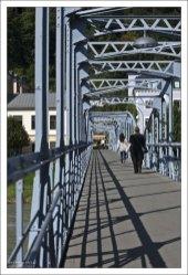 Пешеходный мост Моцарта (Mozartsteg), соединяющий Старый и Новый город.