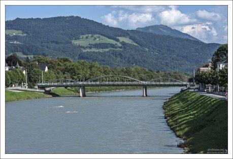 Мост Karolinen Brücke через Зальцах.