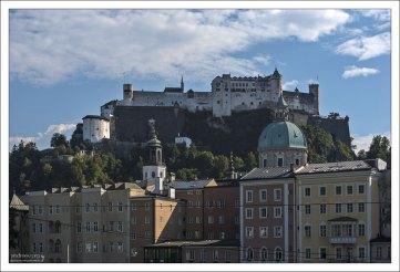 Гора Фестунг и крепость Хоэнзальцбург над городом.