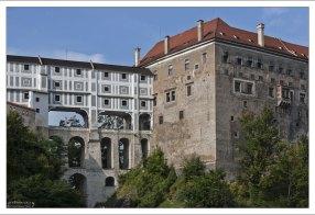 Плащевой мост в Крумловском замке.