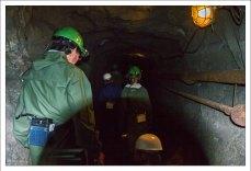Спуск в графитовую шахту.