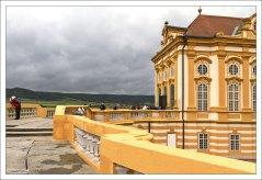 Терраса на западной стороне монастыря, которая соединяет Мраморный зал с библиотекой.
