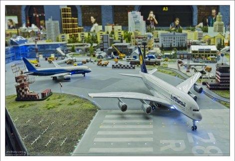 Собирательный образ аэропорта.