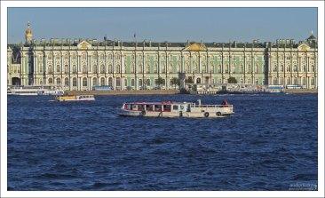 Зимний дворец. Вид с Невы.