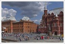 Фасад Исторического музея со стороны Манежной площади.