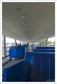 Tomorrowland Transit Authority PeopleMover - открытые автоматические трамвайи, с помощью которых можно передвигаться по парку.