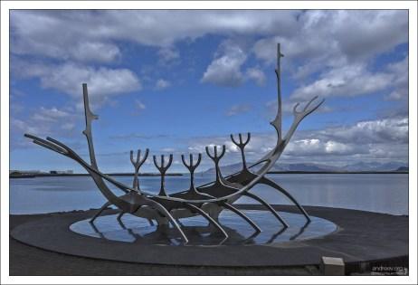 The Sun Voyager установлен в 1990-м году, когда отмечатли 200-летие столицы Исландии.