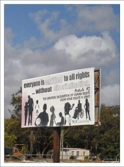Плакат о равноправии всех слоев населения.