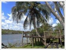 """Лодочная база местной туристической конторы """"Lamanai Belize tour""""."""