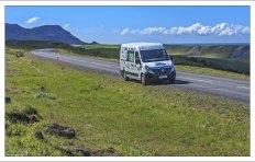 Наш первый вариант кемпера в Исландии - Renault Master 5.