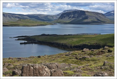 Хваль-фьорд получил свое название из-за большого количества китов.