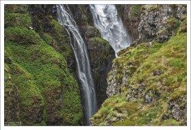 """Глимур относится к типу водопадов """"horsetail"""" - """"конский хвост"""", когда вода спускается вниз, оставаясь в контакте с поверхностью большую часть времени."""