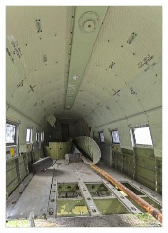 Корпус самолета C-117D - военной модификации классического Дуглас DC-3.