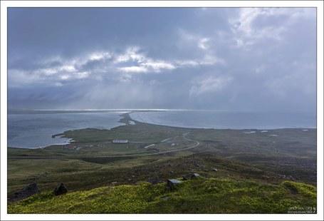 Трёдласкаги на севере омывается Гренландским морем.