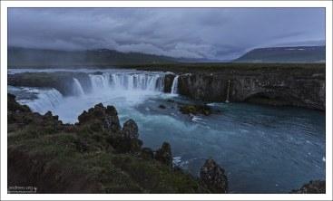 При переходе в христианство, в этот водопад были сброшены древние языческие идолы.
