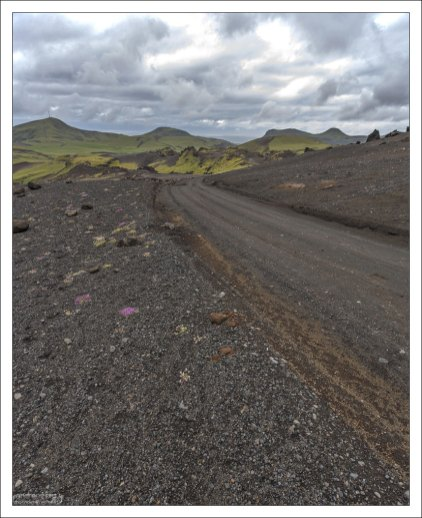 14 километров дороги к побережью из кемпинга Þakgil.