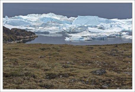 Длина фьорда - около 70 км.