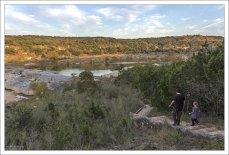 Педерналес (англ. Pedernales River) — река в центральной части штата Техас (США), правый приток реки Колорадо.
