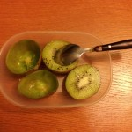 cum-mananci-kiwi-simplu-si-usor